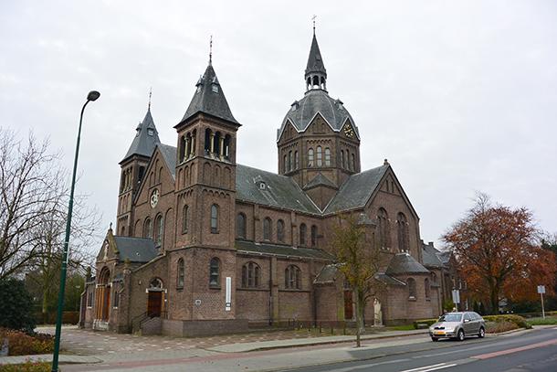 OLVOO kerk te Zoeterwoude-Rijndijk